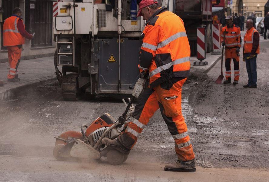 Ремонт и строительство дорог выделят в отдельную программу поддержки местных инициатив