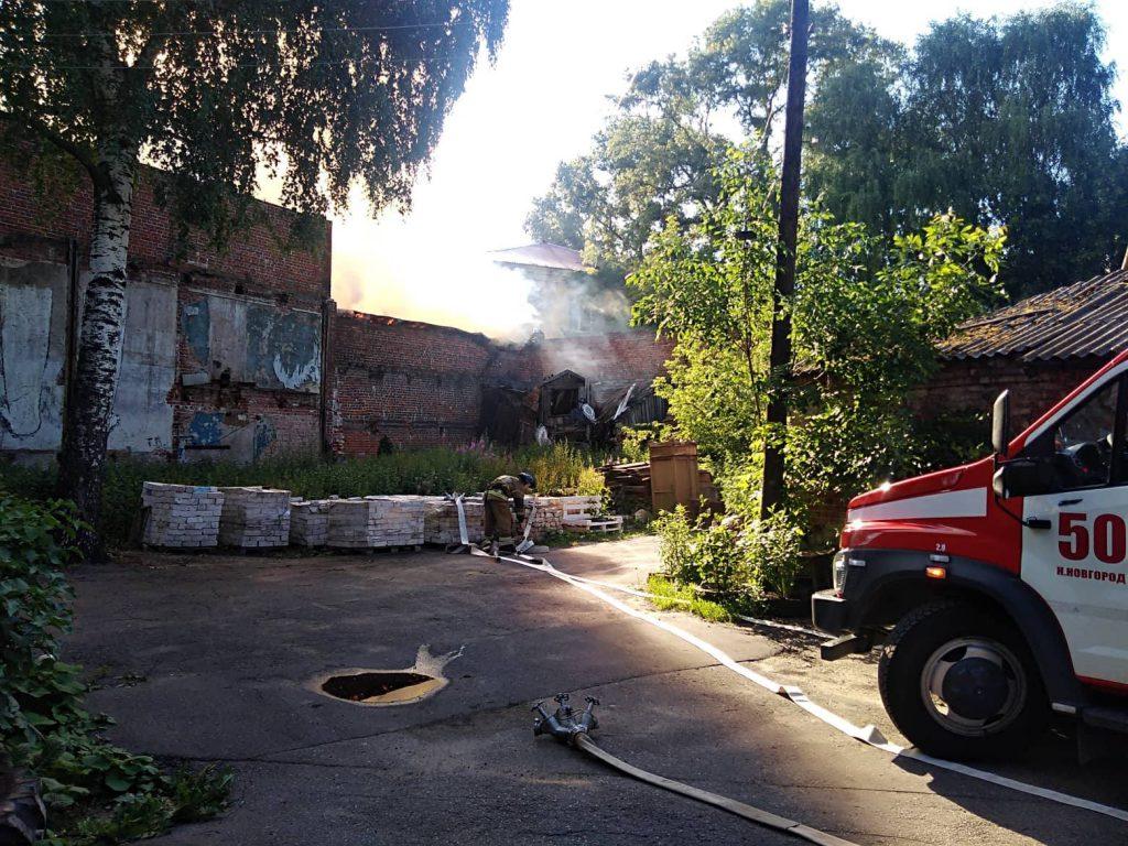 Столб черного дыма. Крупный пожар в центре Нижнего Новгорода