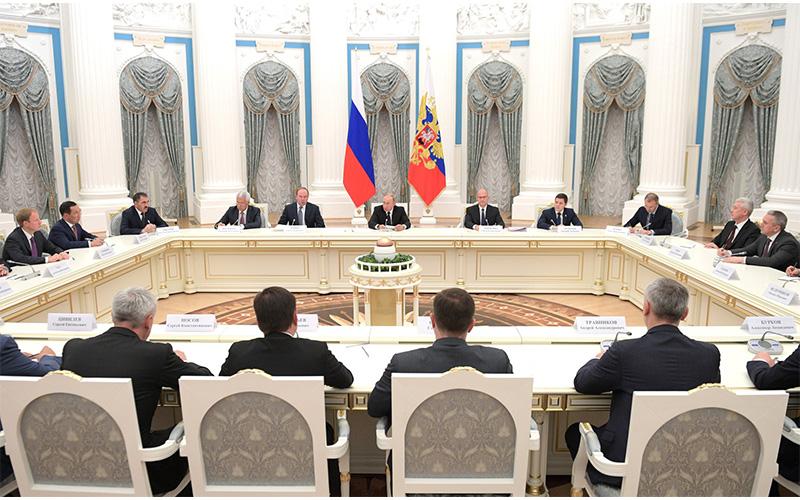Владимир Путин: «Вклад губернаторов в достижение общенациональных целей является решающим»