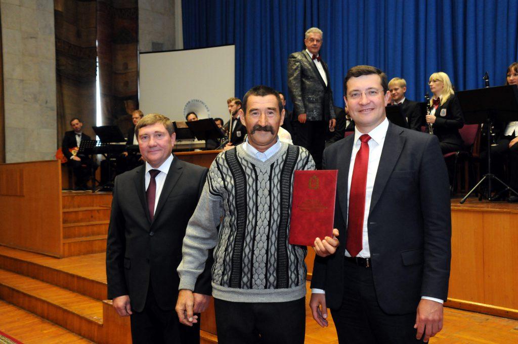 Глеб Никитин вручил награды за заслуги в развитии АПК работникам сельского хозяйства и  перерабатывающей промышленности