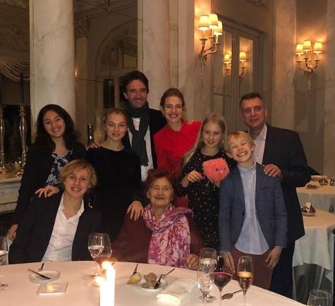 «Бабуня» Натальи Водяновой отметила 89-летие во Франции