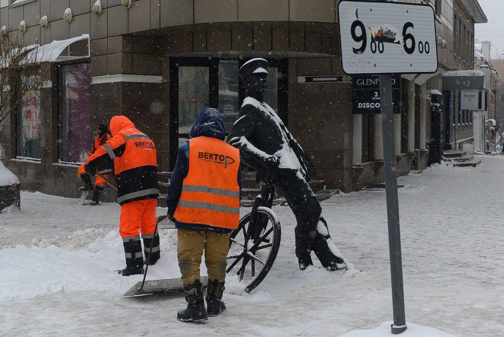 Снежный удар. Нижегородские коммунальщики «разгребают» последствия снегопадов