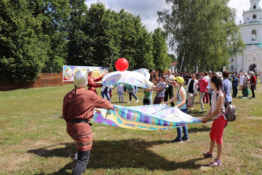 Фестиваль «Парк сказок Пушкина» проходит сегодня в Болдине