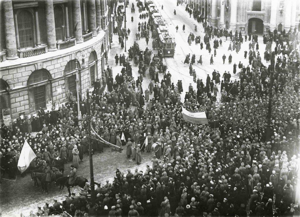 Уникальная выставка «Пульс революции. Петроград 1917» открывается в Нижнем Новгороде