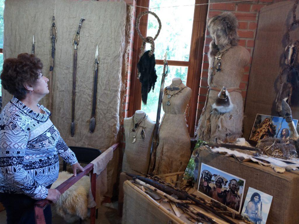 Реконструкцию предметов каменного века представили нижегородцам