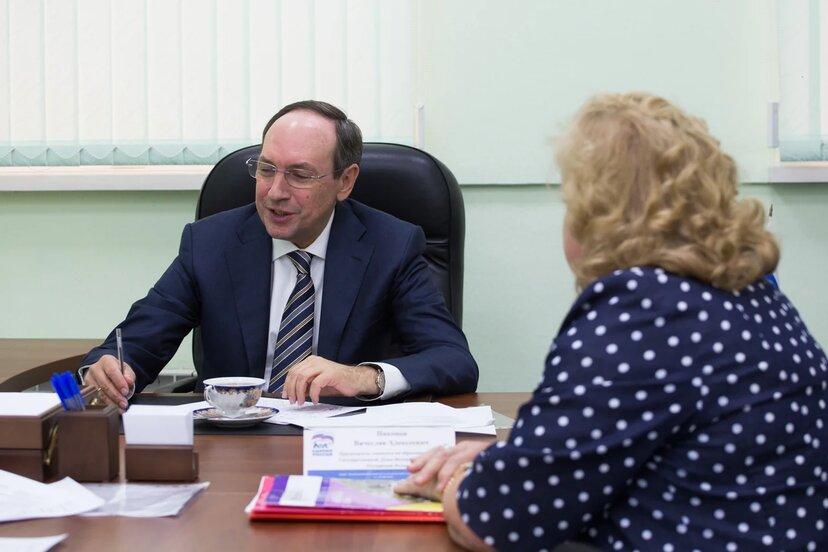 Вячеслав Никонов: «Учителя заслуживают гораздо большего»