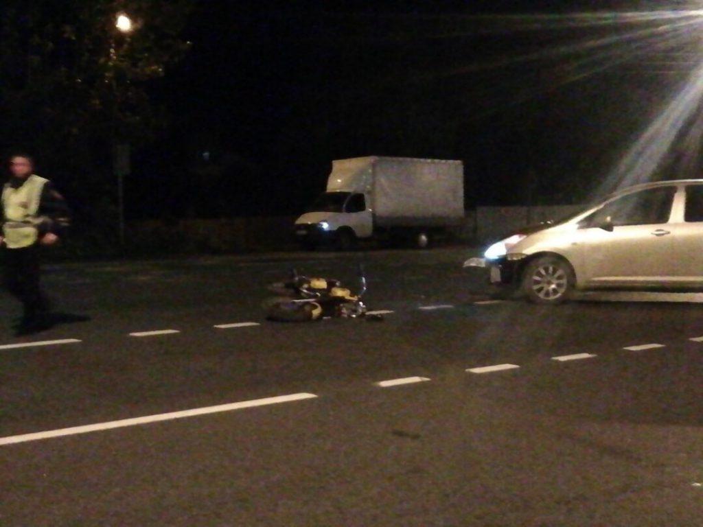 Иномарка сбила мотоциклиста на трассе М-7 под Дзержинском