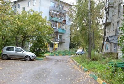 Владимир Кропотин: по просьбе жителей дорога у дома №7 по улице Баранова будет отремонтирована полностью