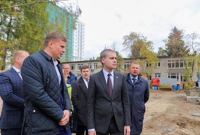 Подрядчик пообещал Владимиру Панову ускорить строительство пристроя, чтобы обеспечить возврат детей в детский сад №368