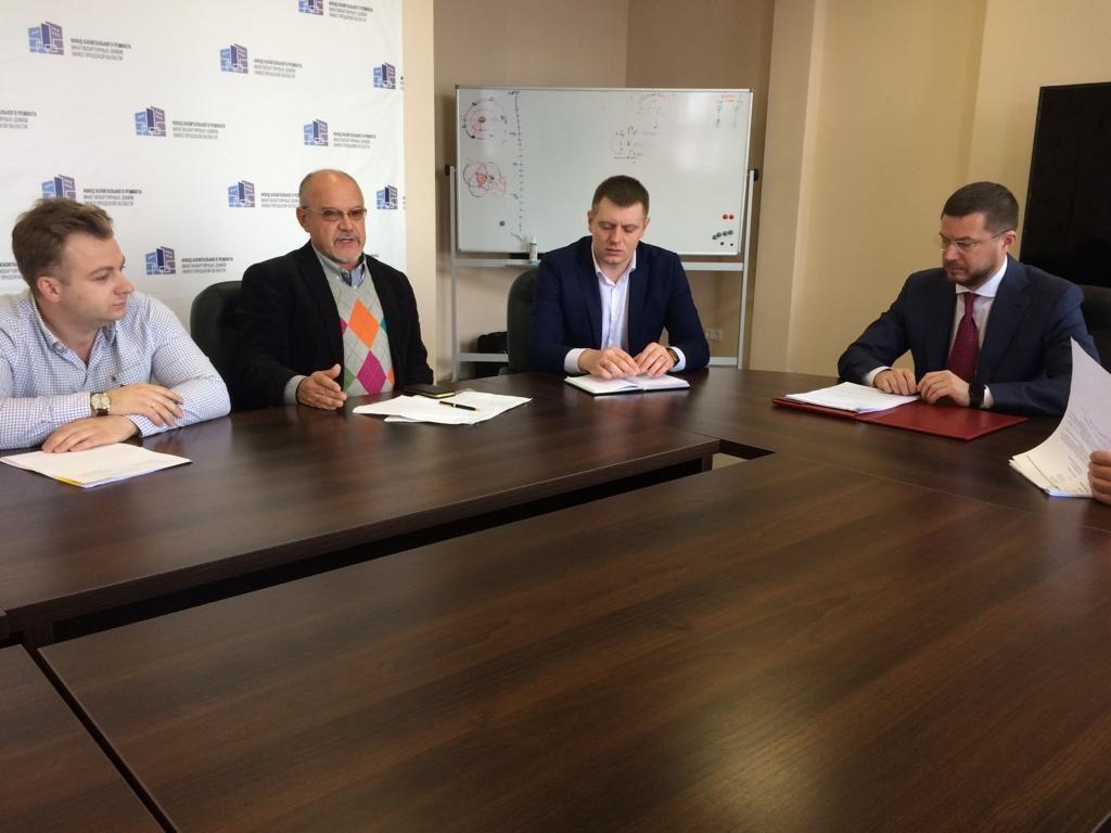 Дмитрий Гнатюк: «Общение сжителями позволяет выявить наиболее узкие места врегиональной программе капремонта»