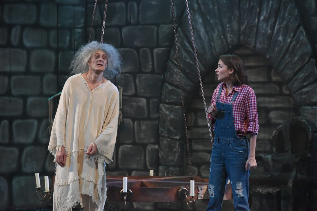 Спектакль «Кентервильское привидение» открыл новый сезон в нижегородском ТЮЗе