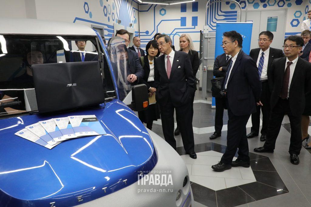 Нейромобиль, киберсердце и «умное» инвалидное кресло: нижегородские ученые продемонстрировали японской делегации инновационные разработки