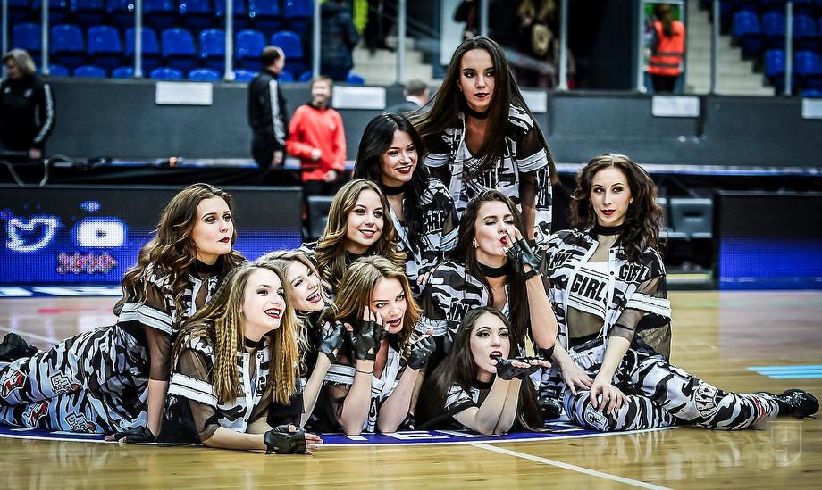 Нижегородские чирлидерши борются за звание лучших команд поддержки России